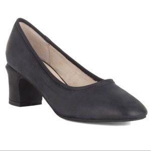 Seychelles black leather canopy pumps heels 8.5